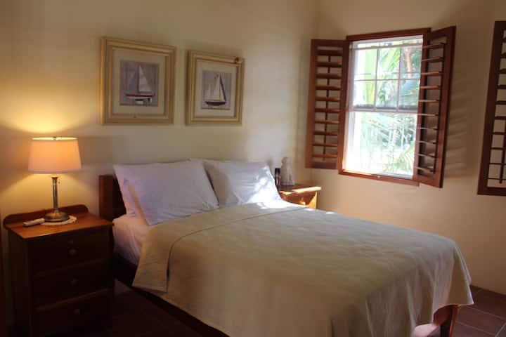 The Crimson Orchid Inn, Room 3