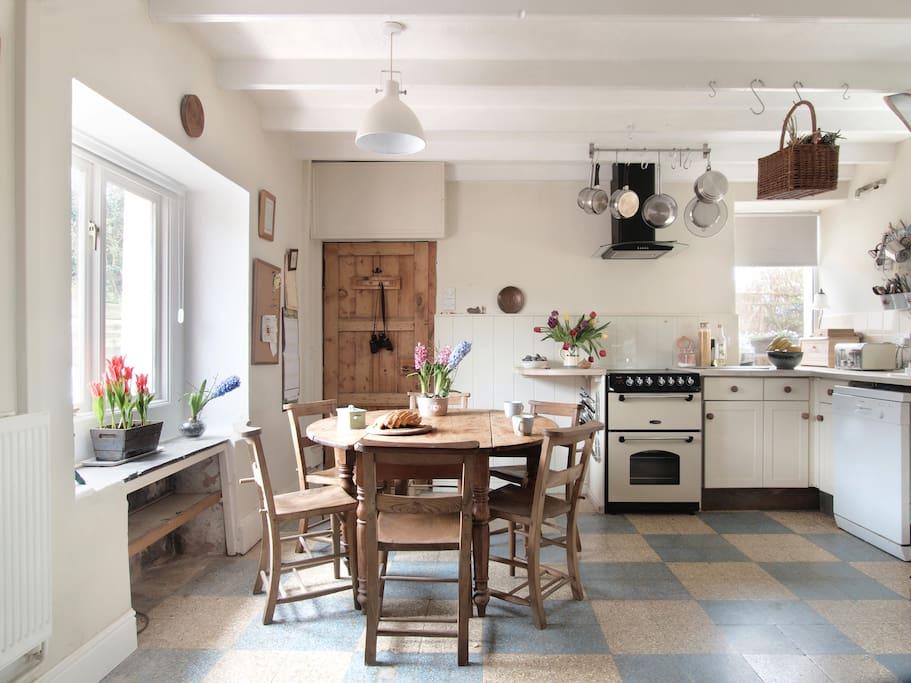 Spacious well stocked kitchen