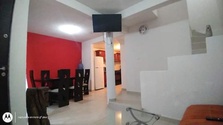 Se renta bonita casa zona tranquila en privada