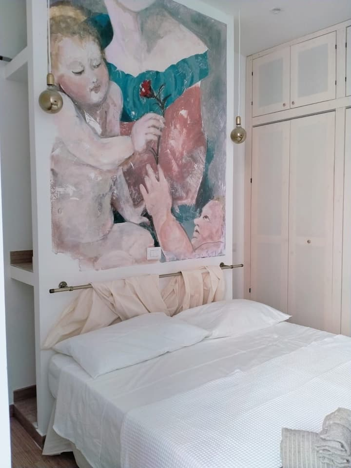 Abbracci  group        Leandra Rooms  Fiore