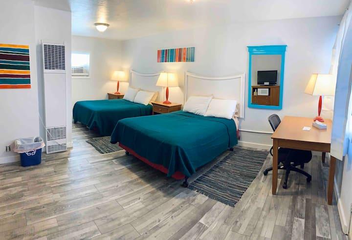 Clean, central, Retro Inspired Salida Motel 1