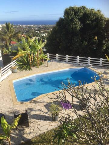 chambre Sdb privée piscine vue mer - Sainte-Marie