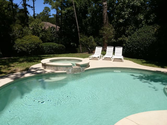 Lagoon Lookout HHI! 3 Bedroom 3 Bath home in Palmetto Dunes on Hilton Head with private pool!