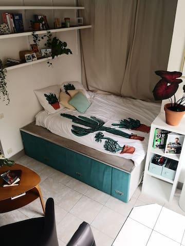 Petit studio près de Montmartre
