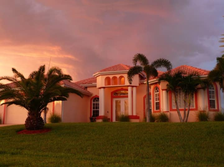 Cape Coral Gulf Access Pool Home