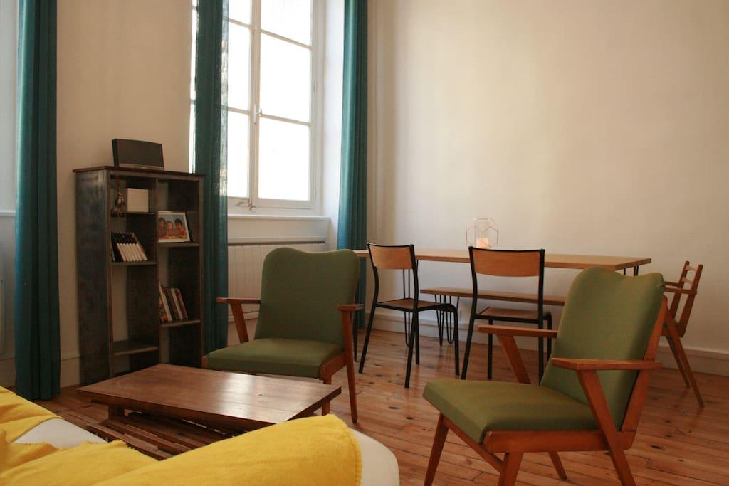 appartement canut croix rousse centre appartements. Black Bedroom Furniture Sets. Home Design Ideas