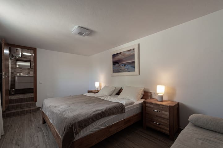 Doppelbett 200x180