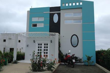 Casa Dube mirador San Jose - Manta