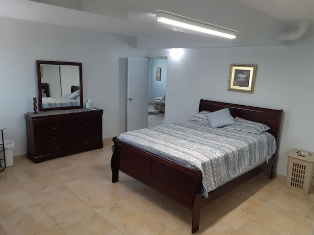 Spacious and Bright Apt. in Ponce w/ WiFi/AC & ...