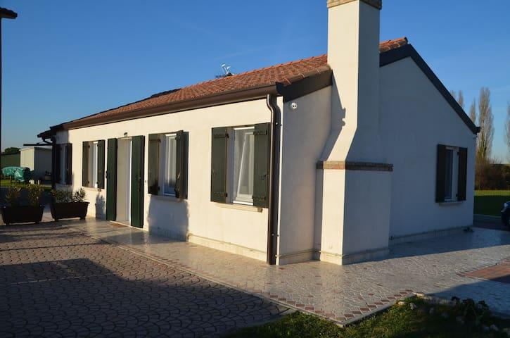 """Casa alloggio vacanza """"La Casetta"""" - Santa Margherita - House"""