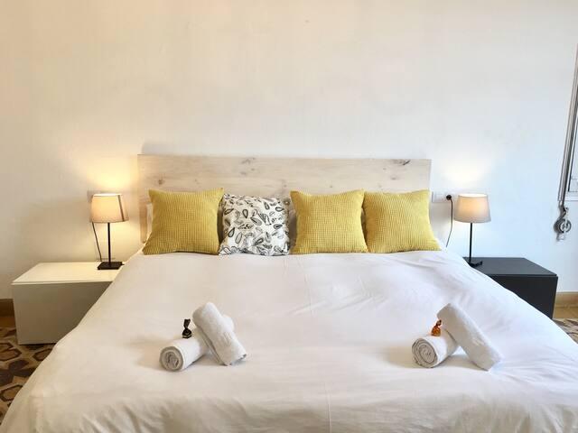 Beautiful room in the historic center of Málaga - Málaga - Bed & Breakfast