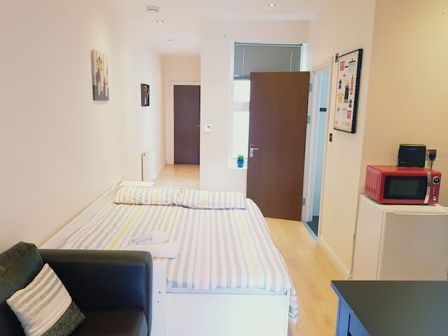 Comfortable One Bedroom Near to Tower Bridge