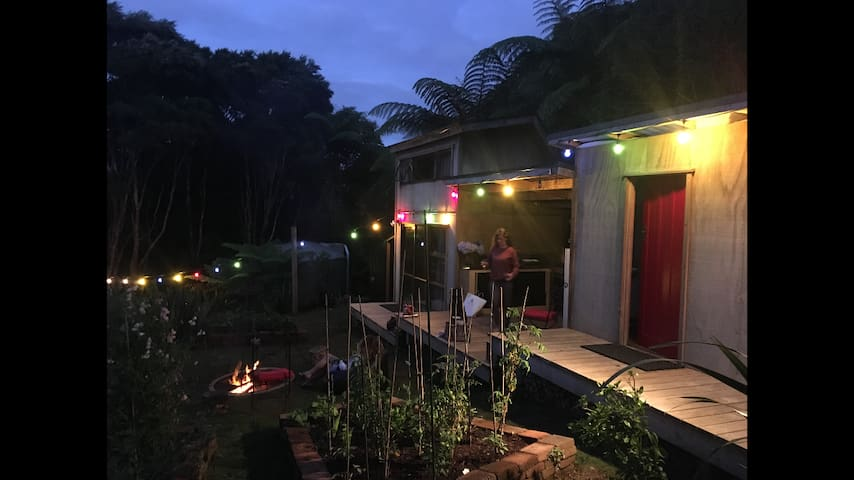 Waitakere Glamping. The Tinyhouse Experience
