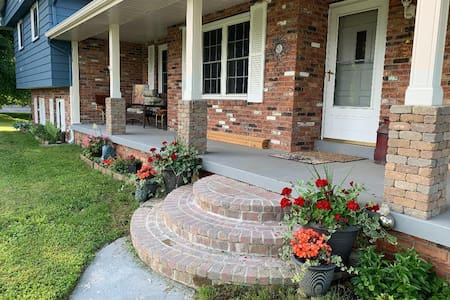 2 Bedroom Suite w/ private bath in Holly, MI.