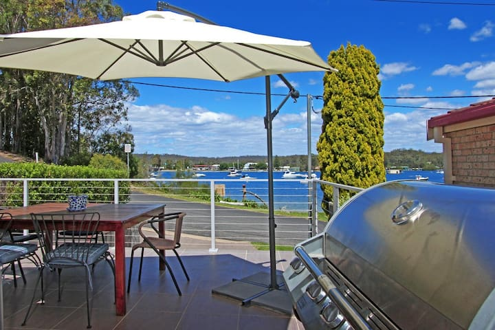 River Front Living in Luxury - North Batemans Bay - Service appartement