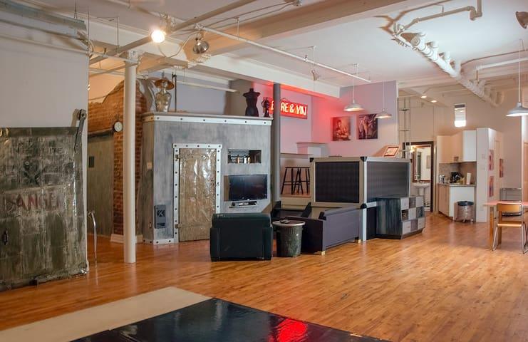 Artist loft in centennial building