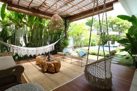 Incredible open living villa 200 mtrs Berawa Beach