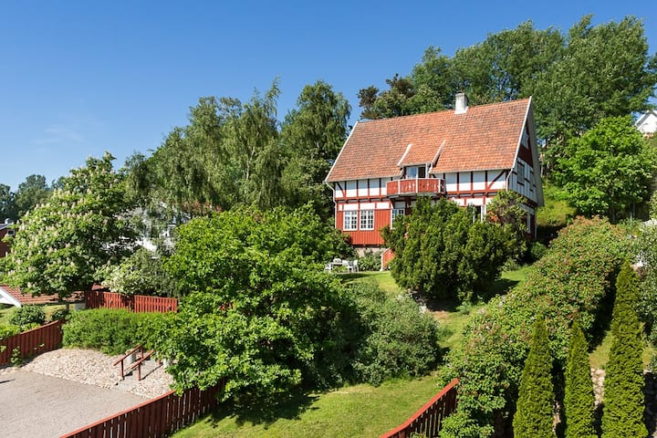 Villa Vindåsen - Your Summer Seaside Hideaway !