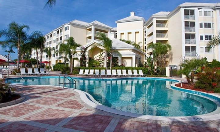 Silver Lake Resort - 2BR Suite/Sleeps 6 - SUNDAY Check-in
