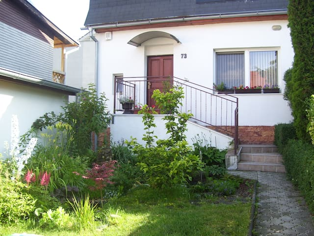 Near nature & Near city center - Bratislava - House