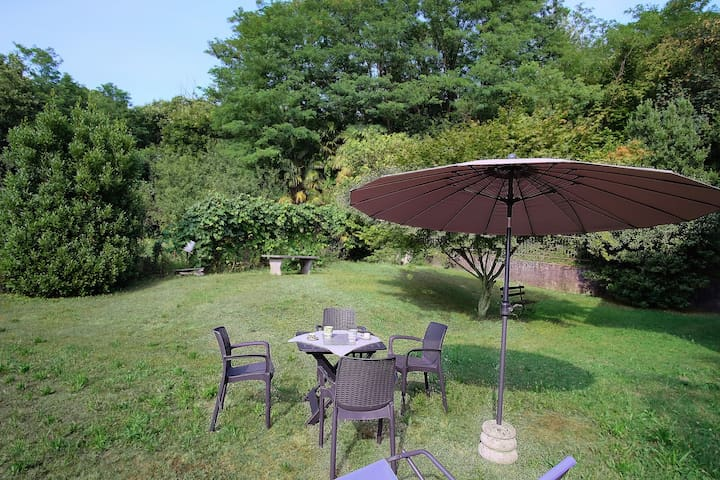 Mela - 2-room-flat with garden in Villa.