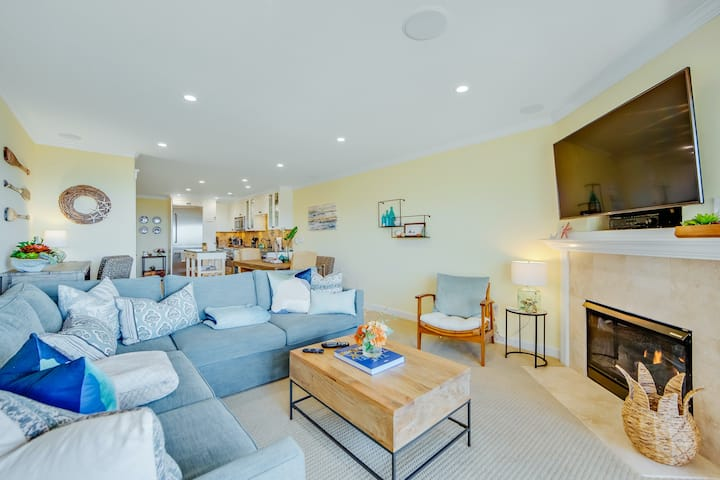 Sunny & serene, two-story, oceanfront condo w/ a shared, heated pool & free WiFi