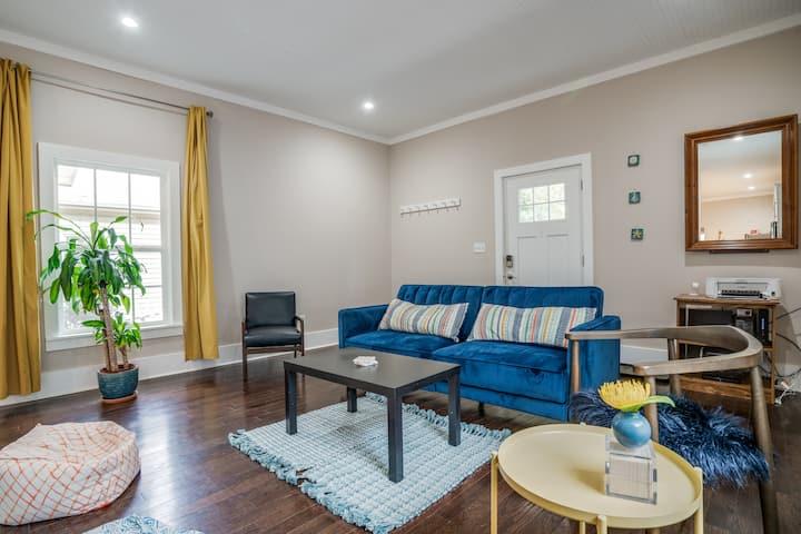 Marietta Square Brand New & Cozy Cottage