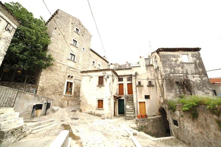 Al Borgo Antico monoapartment 2P Vico del Gargano - Vico del Gargano - Haus