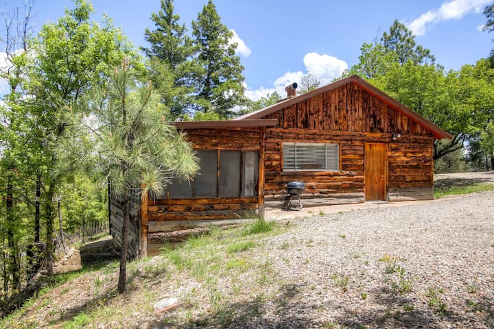 Classic rustic 2br ruidoso cabin cabins for rent in for 6 bedroom cabins in ruidoso nm