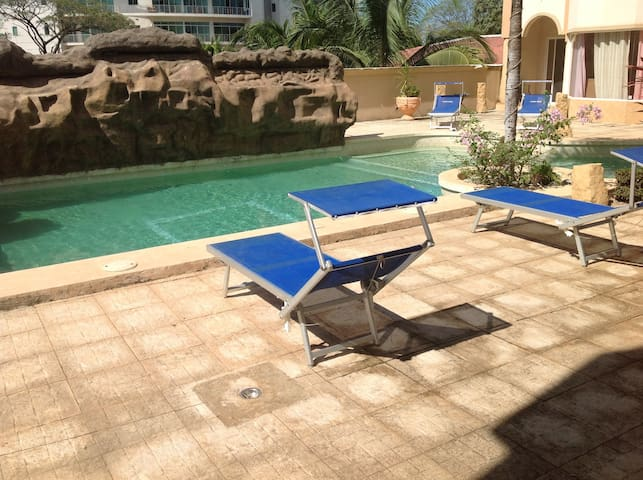 C 4 BEAUTIFUL APARTMENT CENTER TAMARINDO