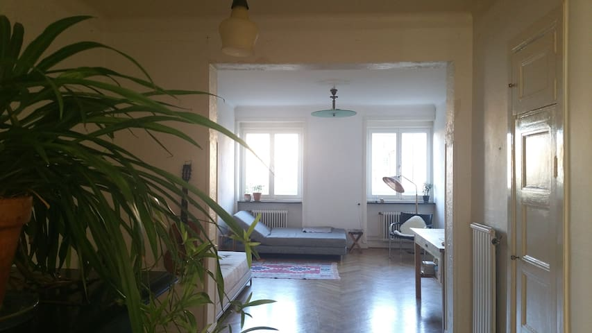 Charming and airy 1930´s flat in a great location - Malmö - Apartment