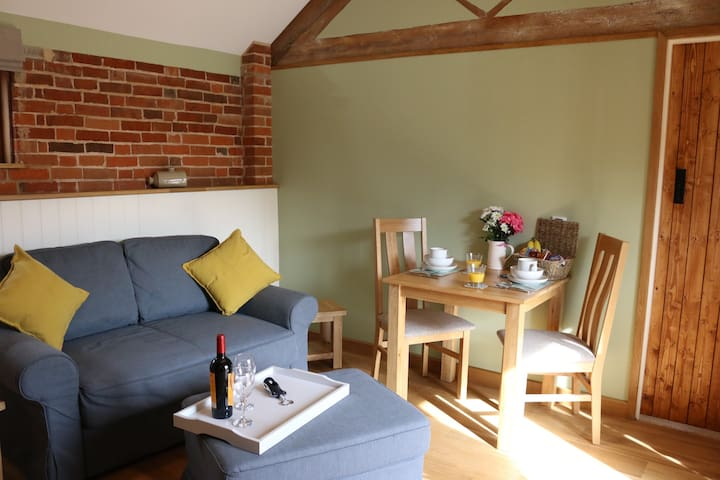 Converted Stables, edge of New Forest - Shetland