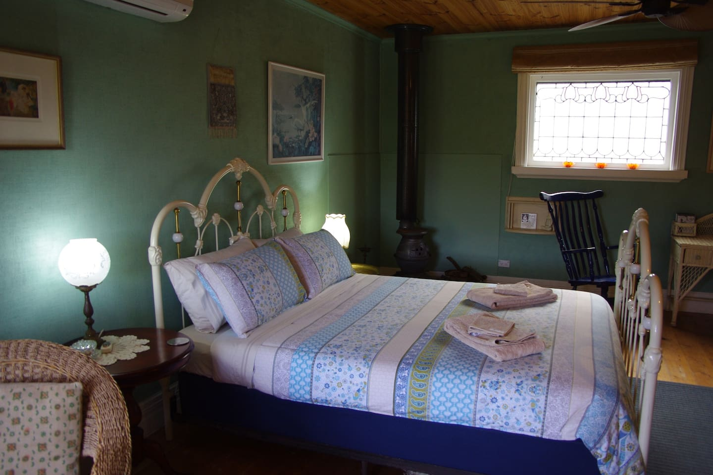 A spacious room that is cosy and comfortable. Top quality mattress and bedding makes for a restful sleep