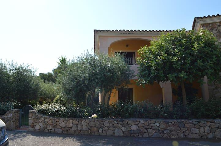 Villaggio Lu Maestrali Giardino - Monte Petrosu - Casa