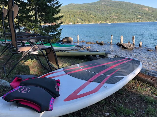 2 SUPs & 1 kayak available upon request..zero gravity chairs available anytime.