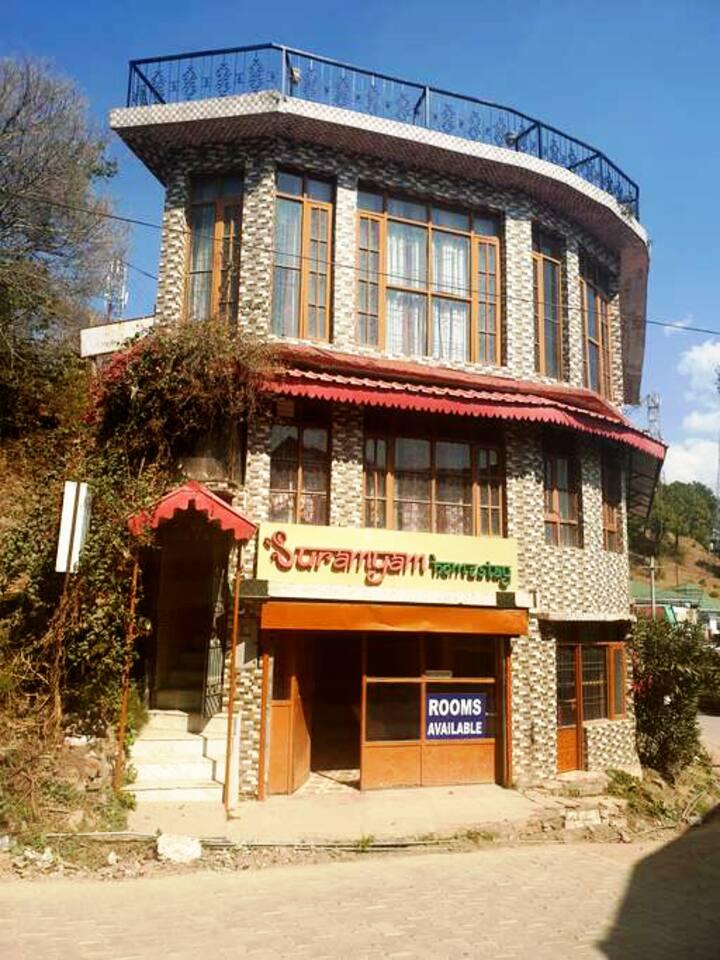 Suramyam Homestay | 4 Bedrooms | kasauli