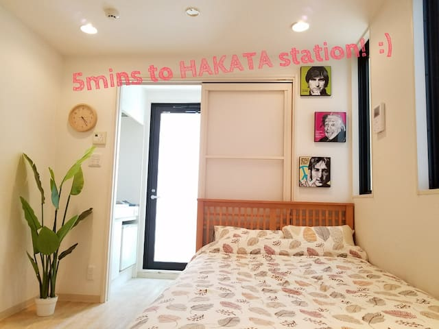 【4mins walk to HAKATA sta.】 Free Pocket Wifi :)