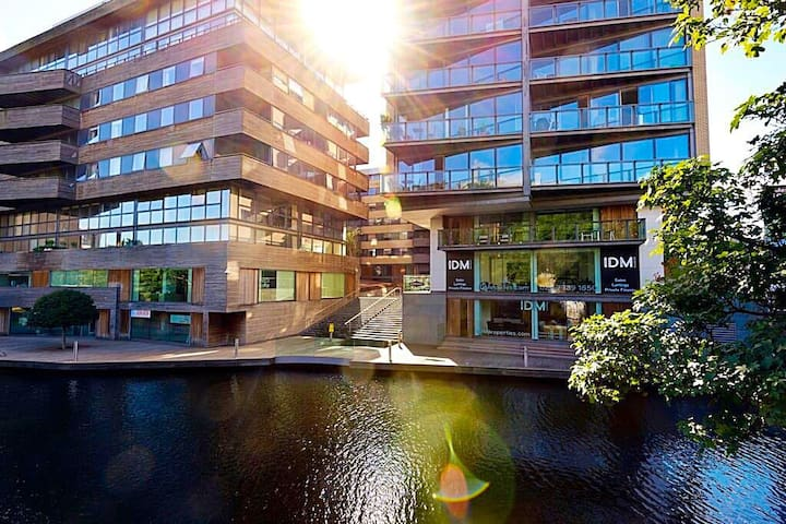 Unique canalside terraced apartment - Lontoo - Huoneisto