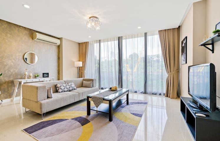 CapS#1 Luxury 4BR in heart of Kuala Lumpur! 9pax
