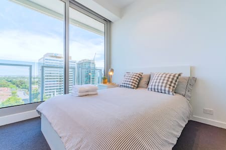 Pride Fawkner Apt Bay-view 4 Free PARKING+POOL PaperRolls HandWash * Mask