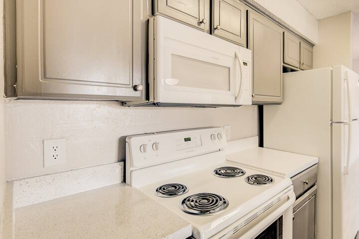 Comfortable place to call home   1BR in Plano