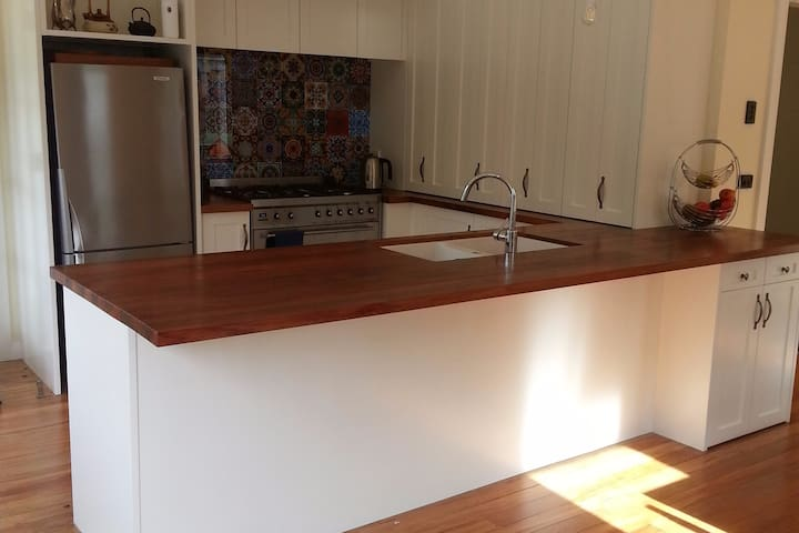 Self-contained Bungalow in Central Hamilton