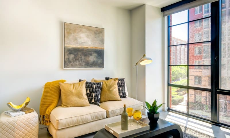 Live + Work + Stay + Easy   1BR in Washington