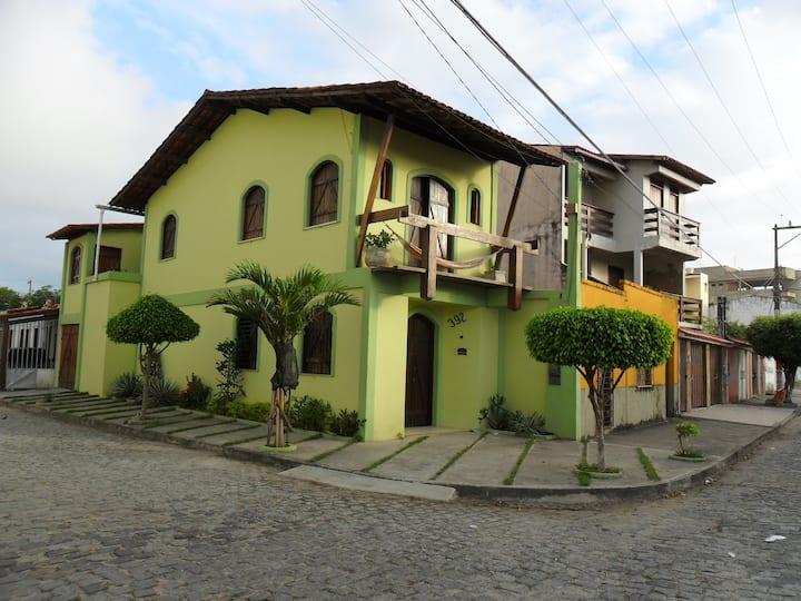 Casa Mobiliada  a 100m do mar