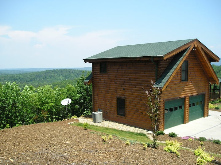 Cabin Apartment at Hidden Lake (near Marion, NC)