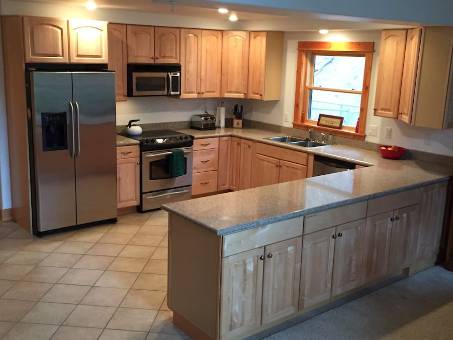 Full kitchen, all appliances, dishes, & utensils you will need.