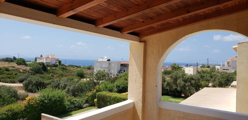 Wonderfull 3-floor maisonette in Chorafakia