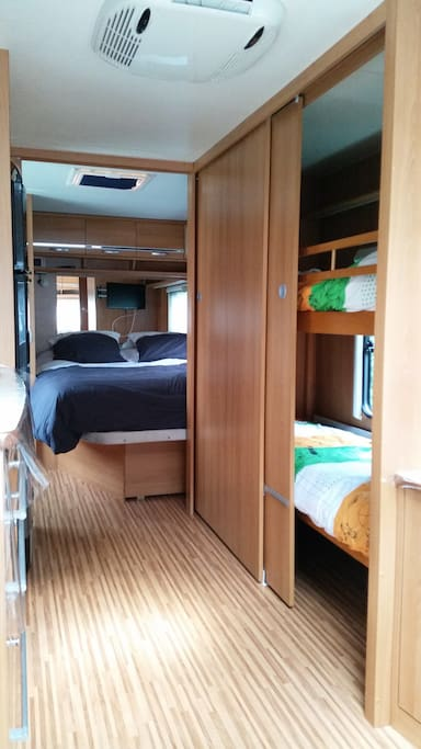 caravane d 39 habitation camping cars caravanes louer paray le monial bourgogne franche. Black Bedroom Furniture Sets. Home Design Ideas