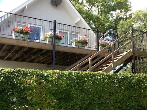 The Treehouse, Minvaud Upper