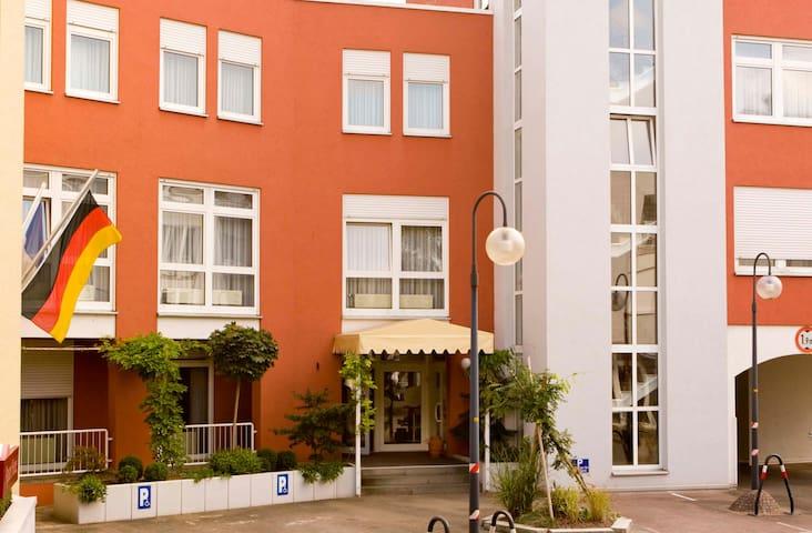 Boardinghouse/Zentral/Nähe Straßburg